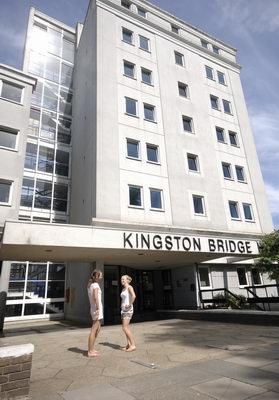 05-Kingston Residence Building